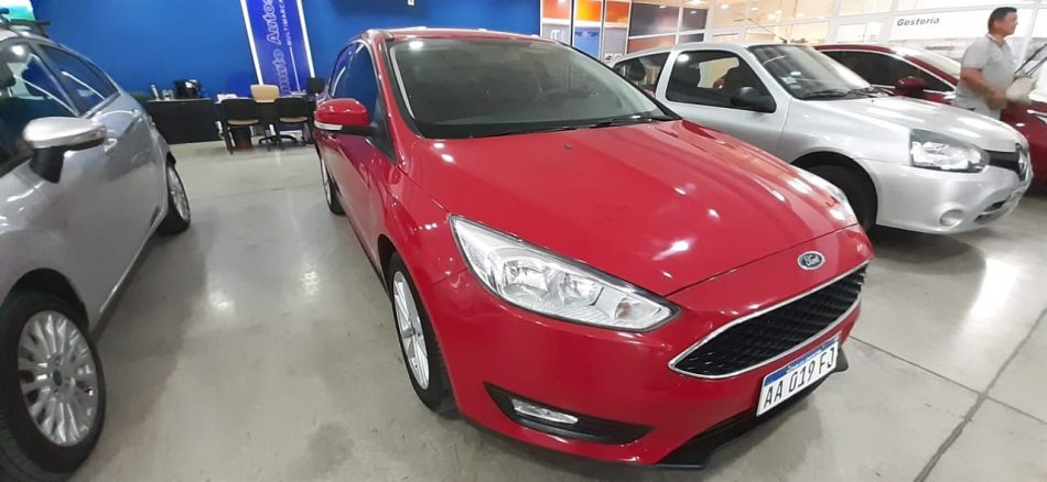 755573315-Ford Focus III completo