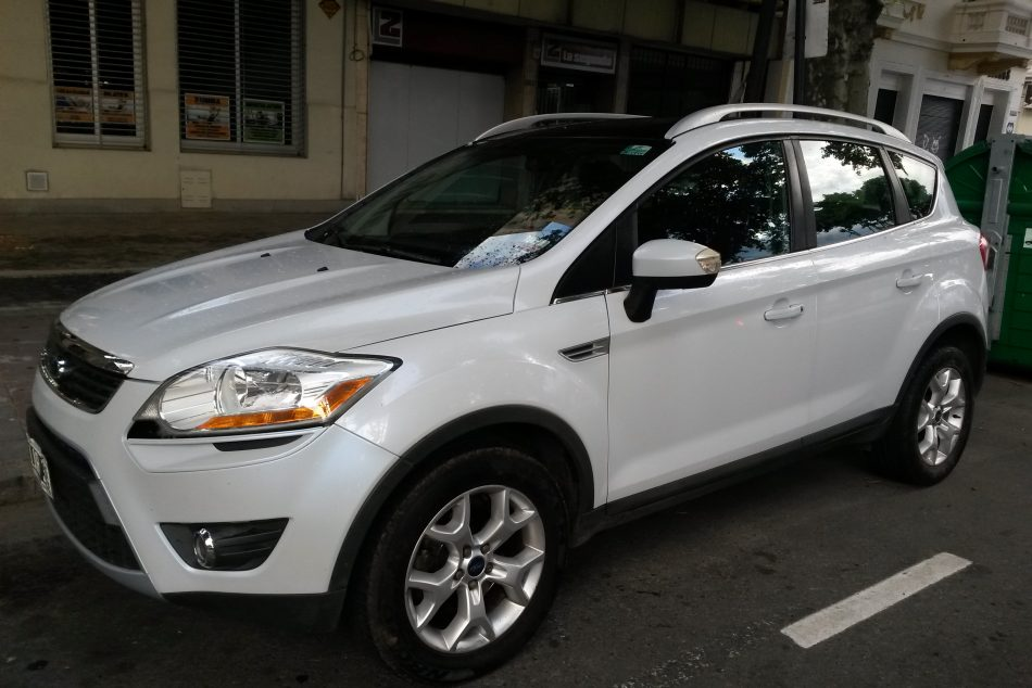 1234162289-Ford Kuga completo