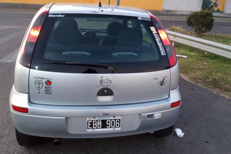 1265449173-Chevrolet Corsa II completo