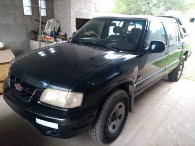 1326582145-  Chevrolet S10 completo