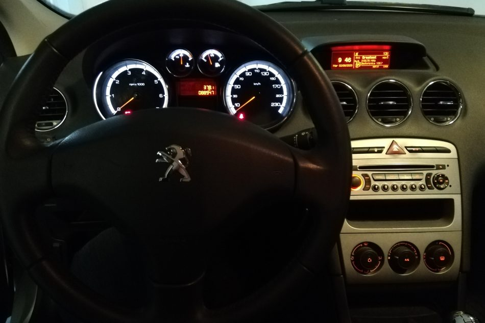 1301188577-Peugeot 408 completo