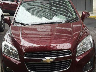 1039112977-Chevrolet Tracker completo