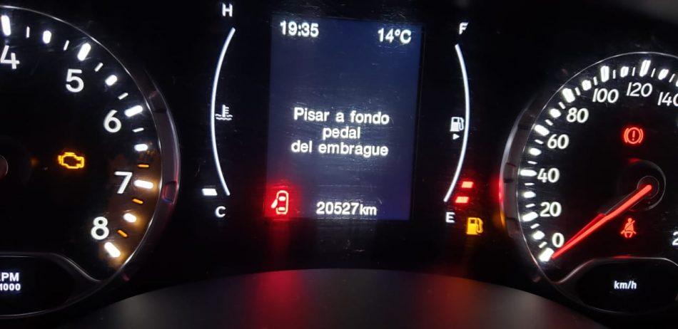 1072832362-Jeep Renegade completo