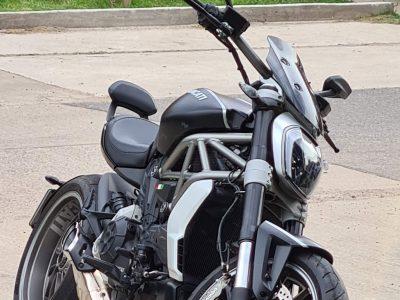 297098861-    Ducati Diavel completo