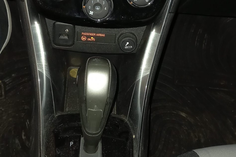 994669673-Chevrolet Tracker completo