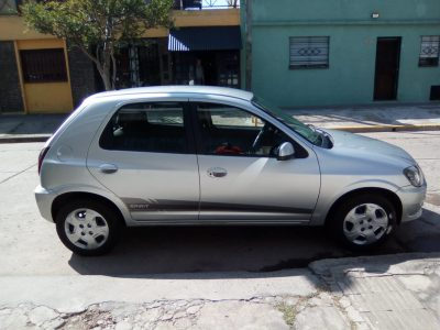 2052767098-Chevrolet Celta completo