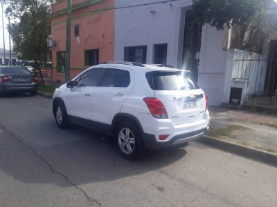 1798631060-Chevrolet Tracker completo