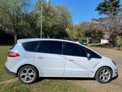 1065116891-Ford S-Max completo
