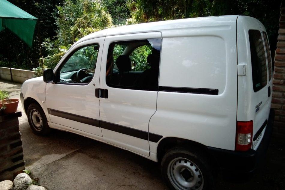 454903622-  Peugeot Partner completo