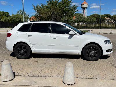 899218796-Audi A3 completo