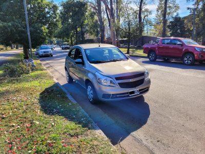1585043079-Chevrolet Agile completo