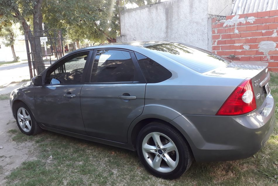 39045536-Ford Focus II completo