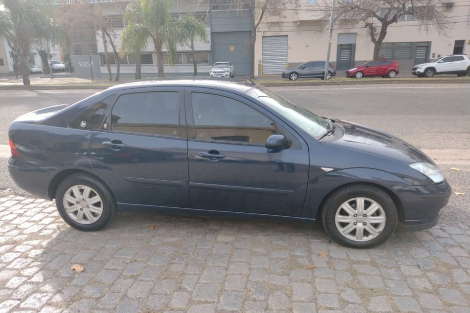 1345502247-Ford Focus completo