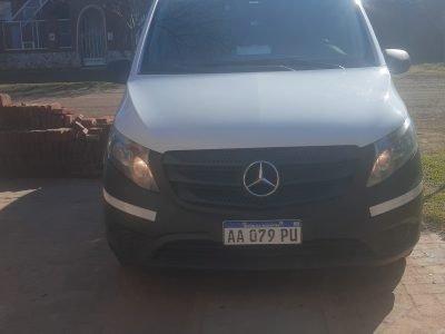 964849113-  Mercedes Benz Vito completo